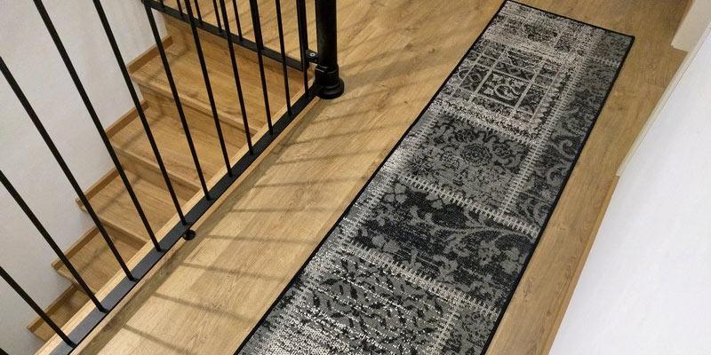Cerca il tappeto tra tutte le categorie tappeto su misura - Il tappeto del corridoio ...