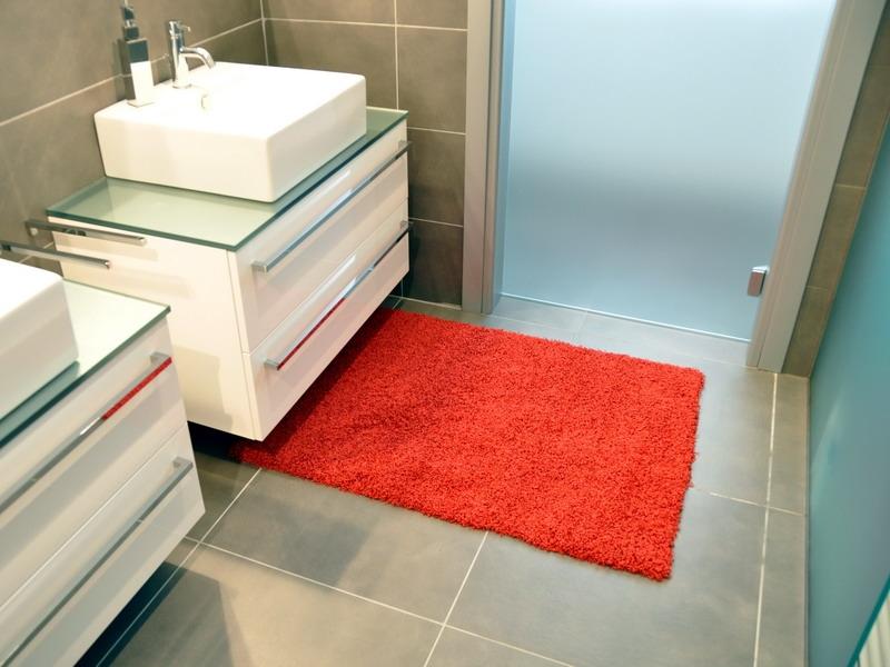 Outlet acqualine rosso multimisura tappeto su misura - Tappeto bagno rosso ...