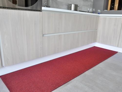 Outlet riviera runner rosso multiuso tappeto su misura - Tappeto bagno rosso ...